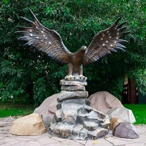 Фонтан для сада орел