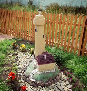 Светильник маяк с домиком